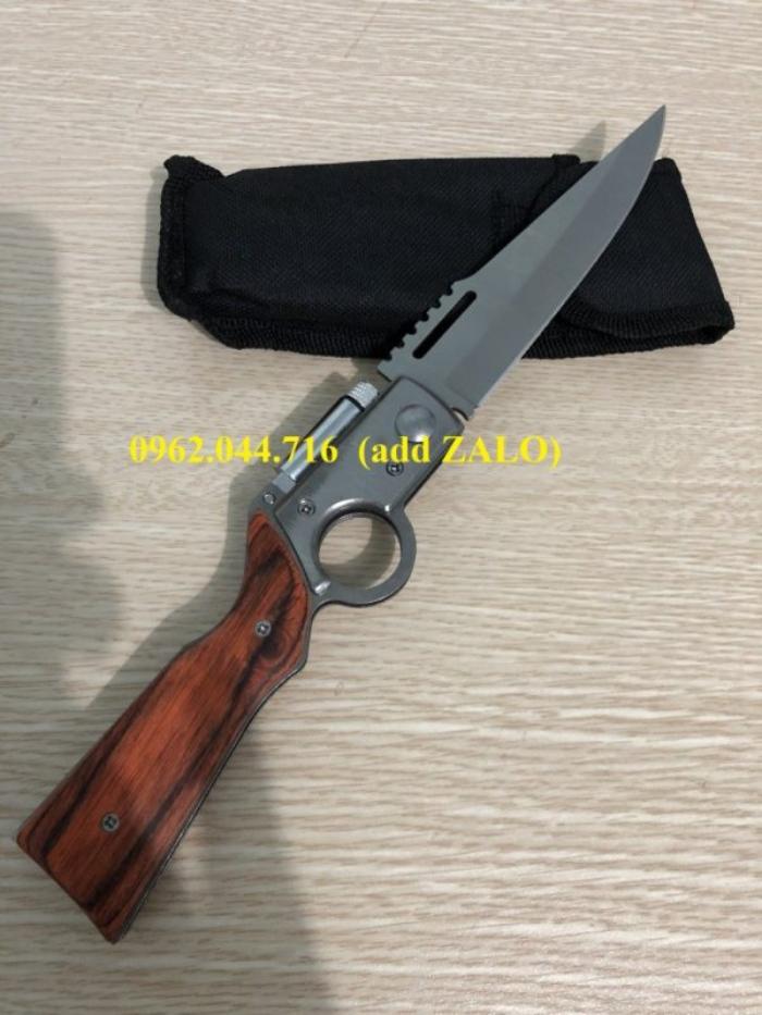 Sản phẩm dao bấm cán gỗ Sharp (AK) nhiều người mua với mục đích phòng thân