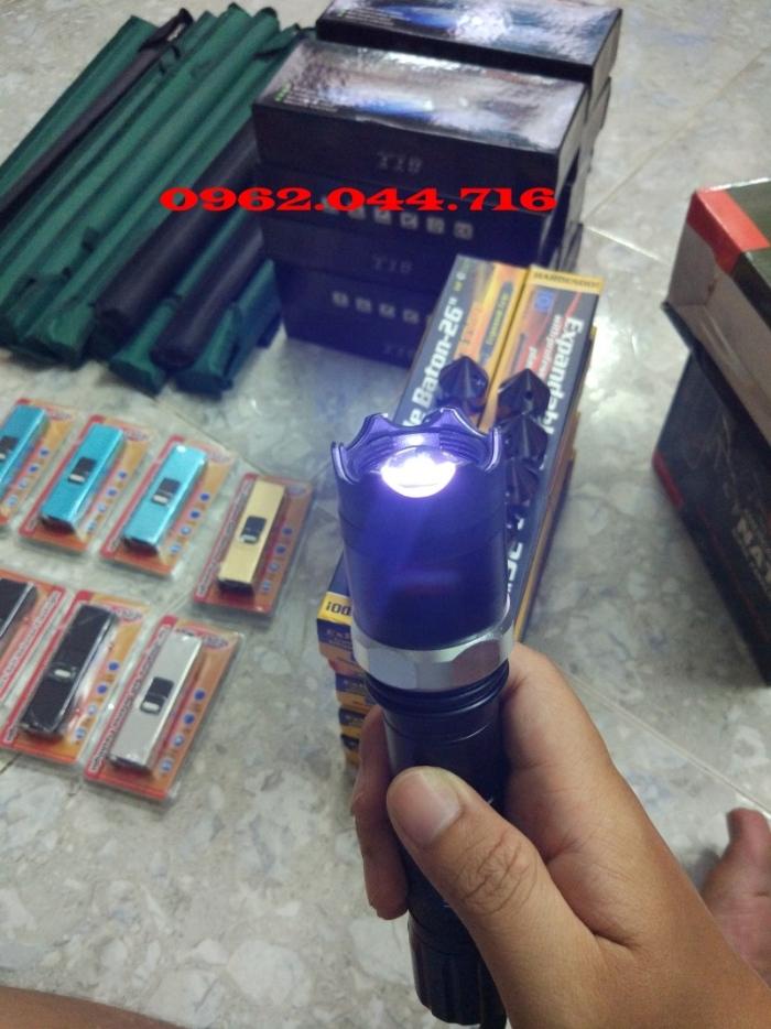 Đèn pin chích điện 10 được chuyên dùng để trấn áp và khống chế tội phạm