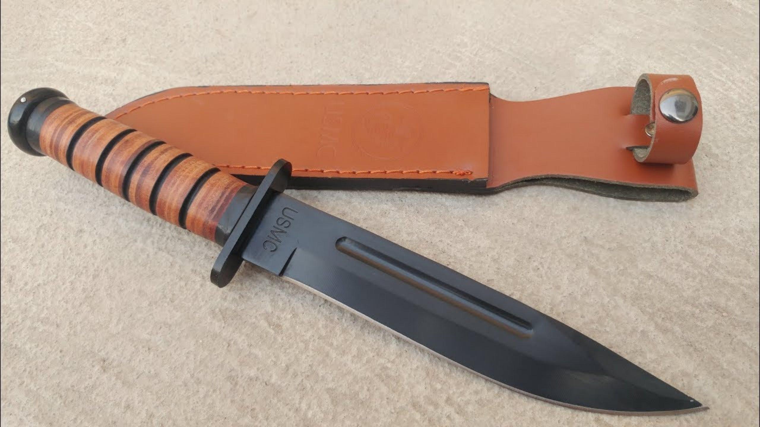 Dao găm được biết đến là một loại dao có mũi rất sắc nhọn và hai lưỡi sắc bén